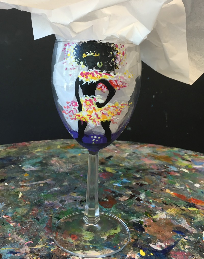 City Girl on Wine Glasses | Paint Two Wine Glasses