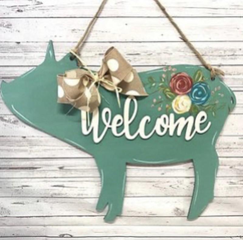 Welcome Pig Door Hanger